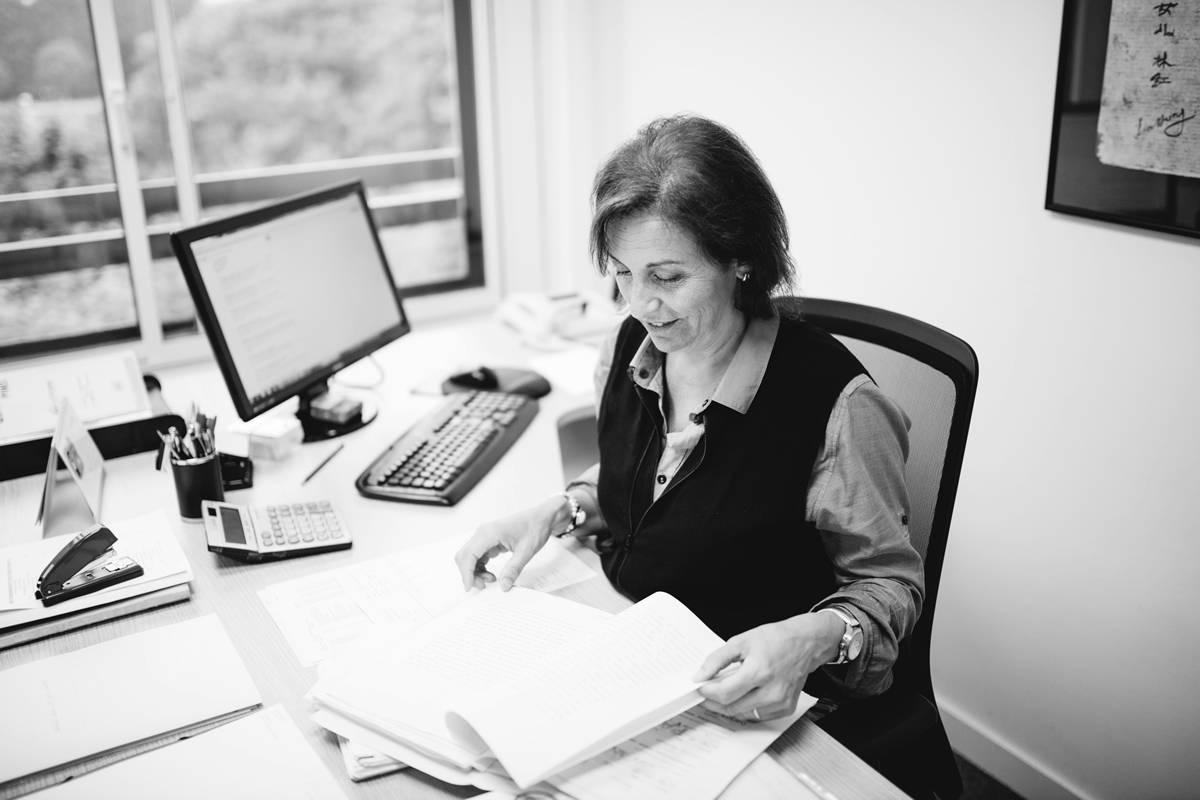 Katy Guisado, experta en administración y gestión de empresas de Kursaal Asesores