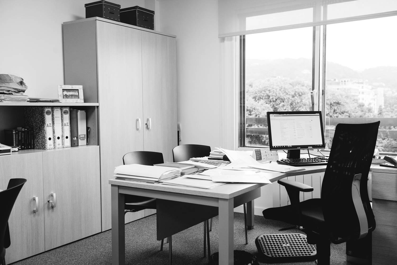 Servicios jurídicos, fiscales, contables, asesoría laboral y acompañamiento administrativo para empresas y particulares